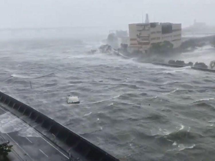 Intense high wind from Typhoon Jebi blows in Nishinomiya City, Hyogo Prefecture, Japan