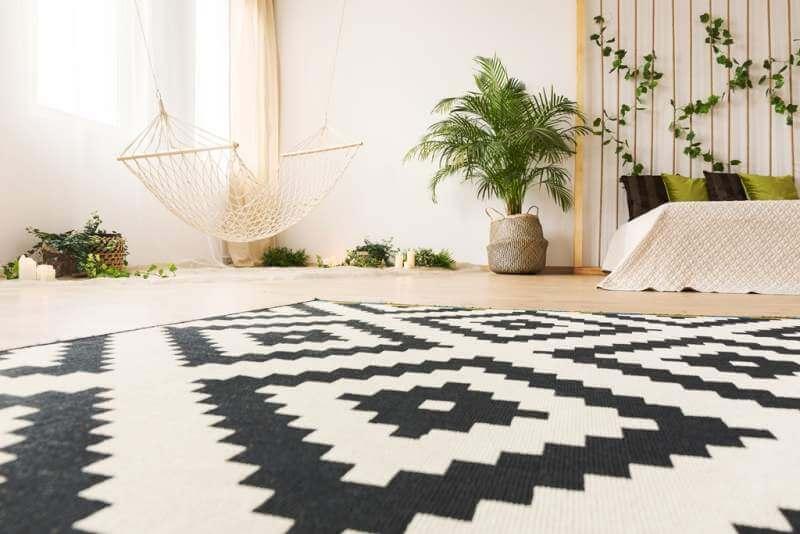 bedroom-with-modern-carpet