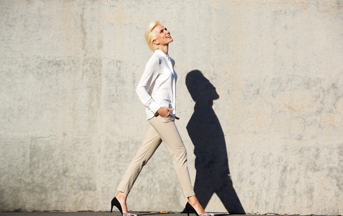 well-dressed-woman-how-to-be-an-effective-leader-by-healthista