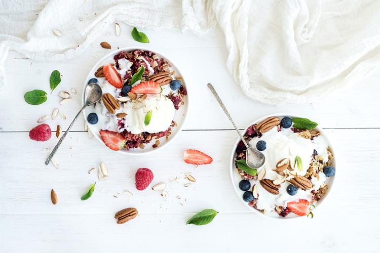 yoghurt, dairy, breakfast, breakfast bowls, muesli, fruit bowls, inflammatory food