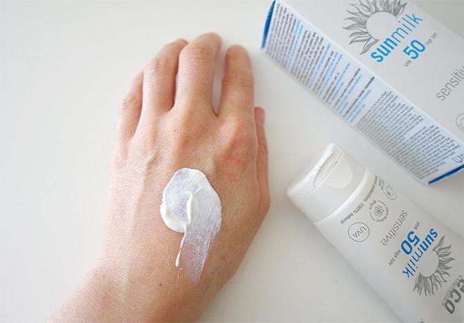 Eco Cosmetics Sun Milk SPF50 texture