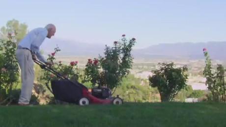 Dr. Ellsworth Wareham mowing his lawn at age 100 (photo 2015)